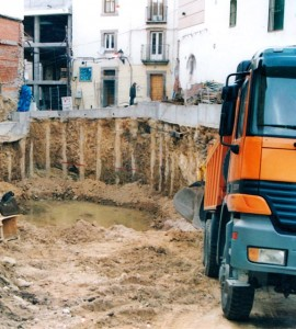 Excavación vaciado pilotaje construcción viviendas El Escorial